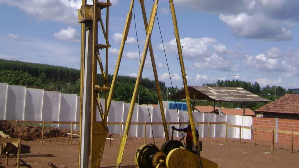 Estacas de fundações carregadas transversalmente no topo