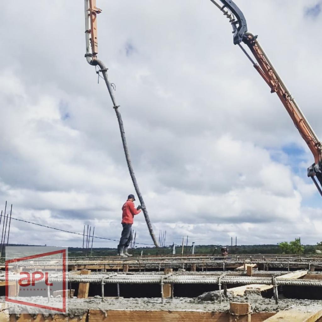 Laje de concreto usinado com distribuição com bomba lança pela APL Engenharia